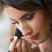 Best Face Forward The Side Effects Of Daily Makeup Use